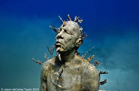 jason-decaires-taylor-sculpture-3